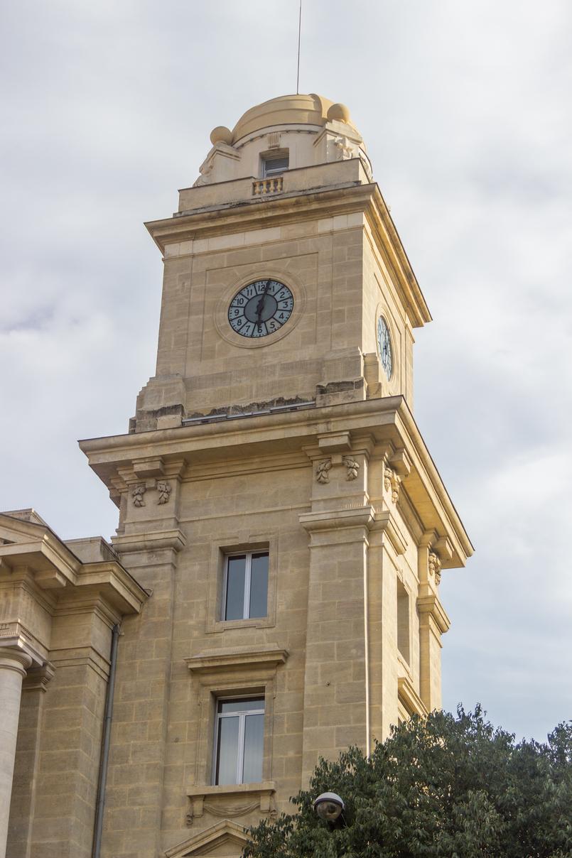 Le Fashionaire Sul de França: O que vestir para férias na cidade? toulon franca monumento cidade arquitetura 7959 PT 805x1208