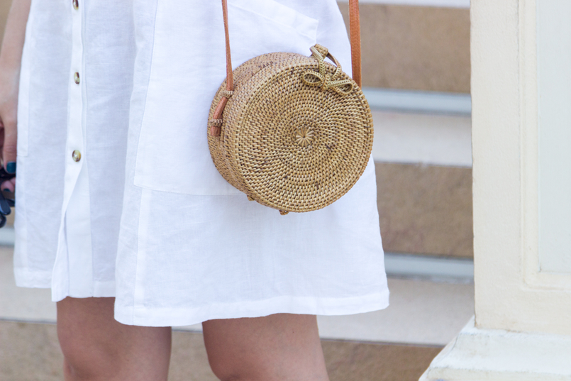 Le Fashionaire Why is Monaco such a magic place? white linen pockets mango dress round rattan straw handmade bag 8111 EN 805x537