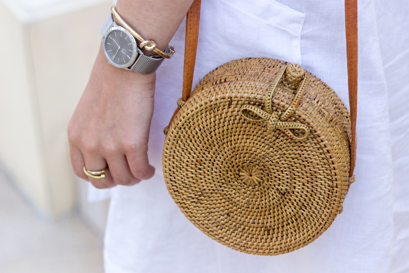 Le Fashionaire Why is Monaco such a magic place? white linen pockets mango dress round rattan straw handmade bag 8113 EN 805x537