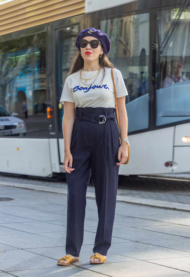 Le Fashionaire The parisian accessory parisian girls don't wear white quote velvet bonjour tee dark blue stradivarius dark blue pinstripes paperbag mango trousers wool dark blue mango beret gold brooch 8220 EN 805x1173