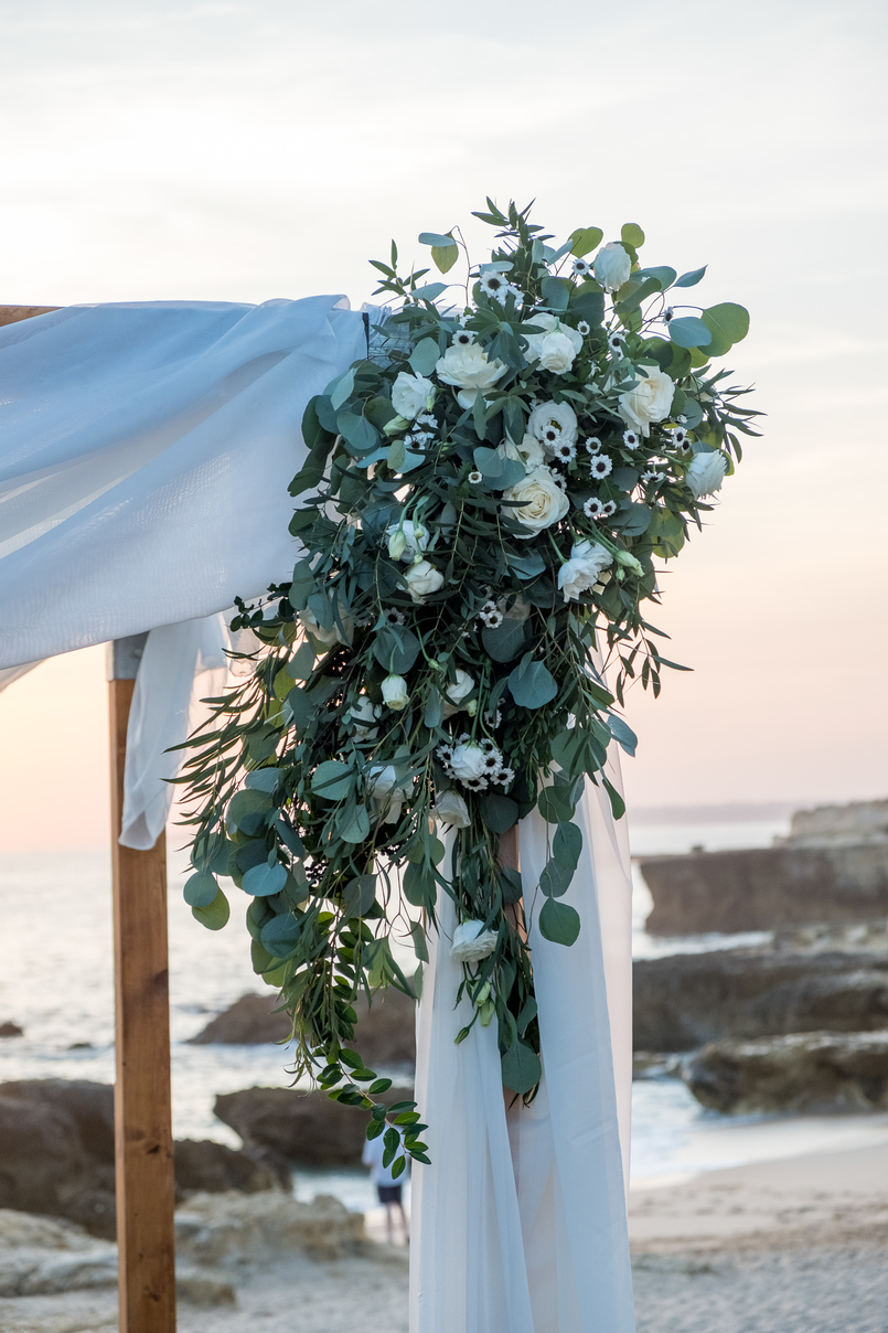 Le Fashionaire Where to find love? beach wedding decor 4575 EN 805x1208