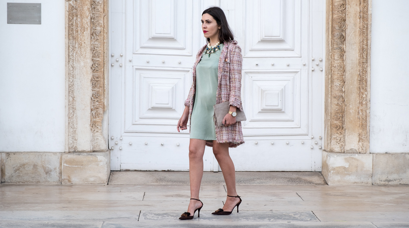 Le Fashionaire I'm hanging out with Leonardo… mint silk dress zara brown leather fur heels pearls crystal green blue bold zara necklace nude leather sfera clutch 4356F EN 805x450