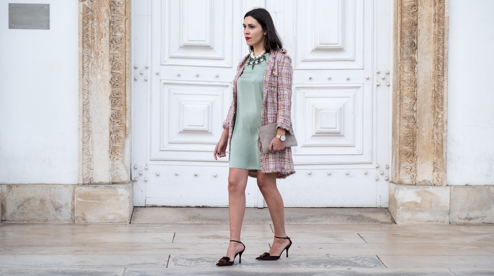 Le Fashionaire I'm hanging out with Leonardo… mint silk dress zara brown leather fur heels pearls crystal green blue bold zara necklace nude leather sfera clutch 4356F EN
