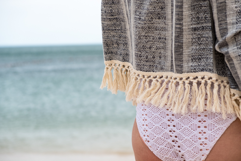 Le Fashionaire Personal: How to fight demotivation? oysho white crochet swimsuit blue silver tassels women secret jacket portinho arrabida beach 1955 EN 805x537
