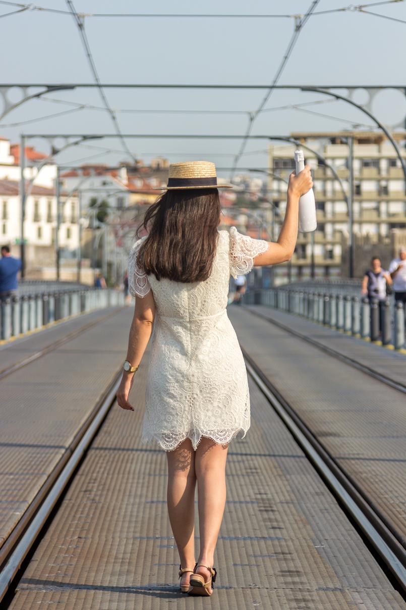 Le Fashionaire 1 ano de Le Fashionaire! ponte d luis porto vestido branco renda zara sandalias laco bege preto uterque 8352 PT 805x1208