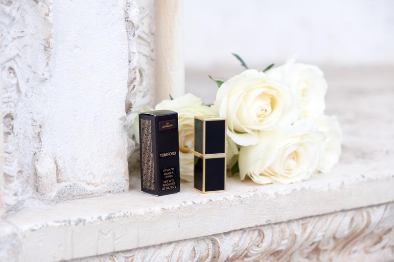 Le Fashionaire I'm hanging out with Leonardo… tom ford red burgundy leonardo lipstick white roses 4402 EN 805x537