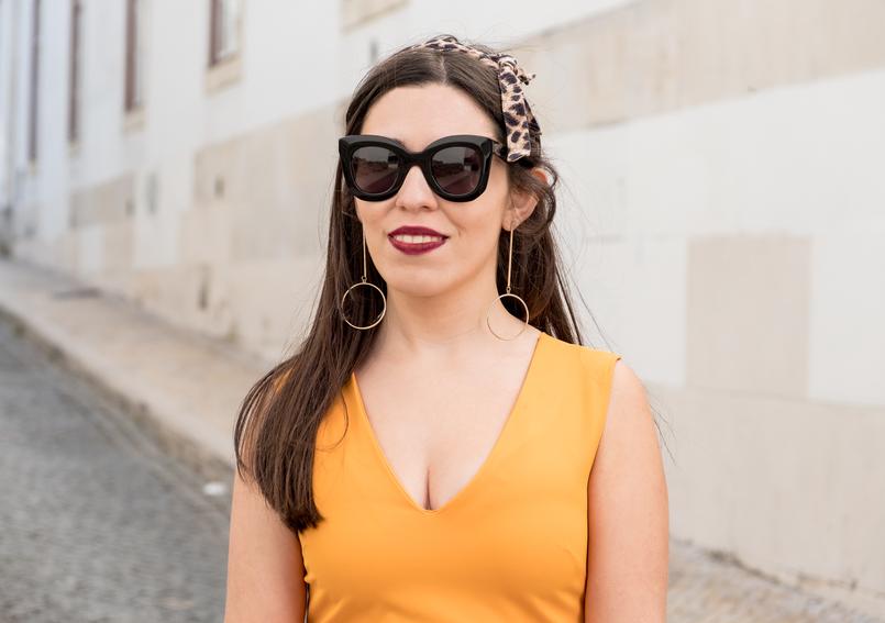 Le Fashionaire Nem todos podemos gostar do amarelo vestido amarelo torrado asos fita cabelo leopardo brincos grandes compridos dourados hm oculos sol celine pretos 3363 PT 805x567
