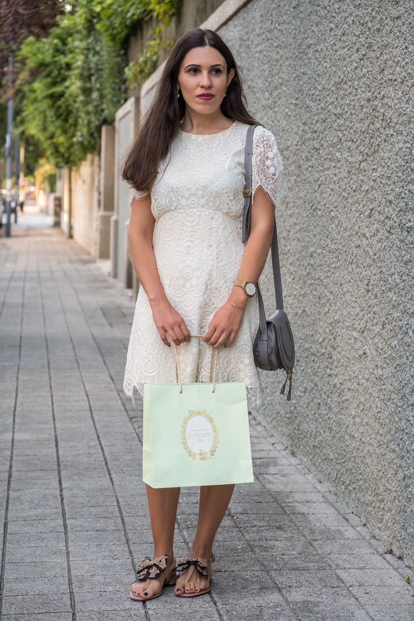 Le Fashionaire 1 ano de Le Fashionaire! vestido branco renda zara mala chloe mini marcie pele cinzenta sandalias laco bege preto uterque saco menta laduree 2440 PT 805x1208