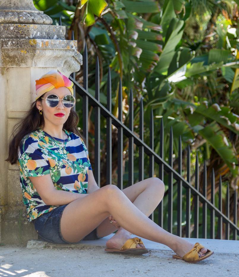 Le Fashionaire How to wear a turban? white black stripes lemons zara tshirt gold cinco hoops earrings cinco turban colorful scarf yellow pink orange dark yellow zara bow slides 7512 EN 805x932