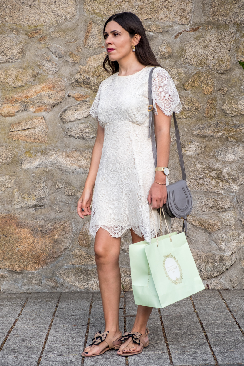 Le Fashionaire 1 year of Le Fashionaire! white lace zara dress chloe grey mini marcie leather bag flat leather nude black bow uterque sandals mint laduree shopping bag 2442 EN 805x1208