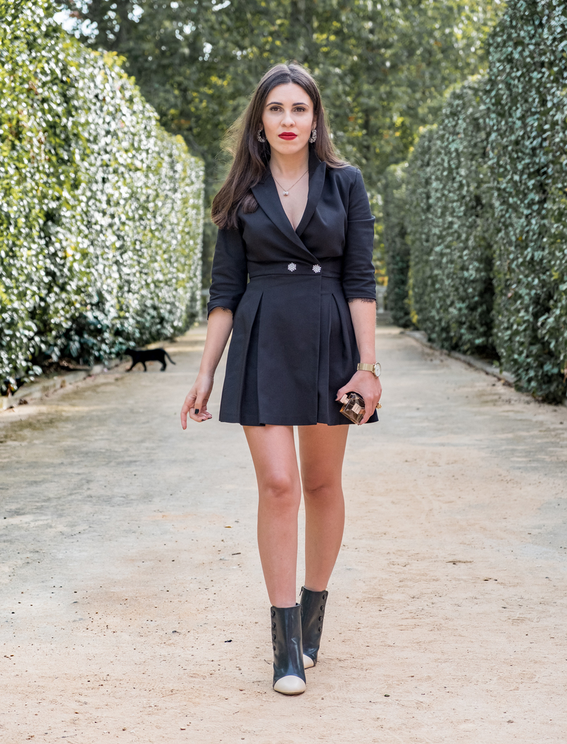 Le Fashionaire Gabrielle, the new Chanel perfume black romper pearls buttons zara black white fake leather zara ankle boots quartz hm white gold necklace pearls hoop earrings pedra dura 5152 EN 805x1056