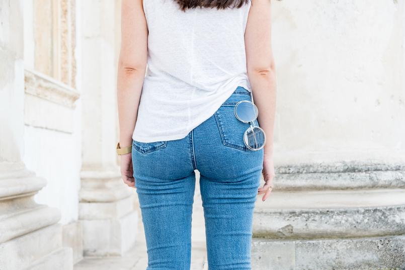 Le Fashionaire Como escolher os jeans perfeitos? calcas ganga perfeitas skinny jeans lavagem clara nakd top branco linho zara oculos sol redondos dourado 5486 PT 805x537