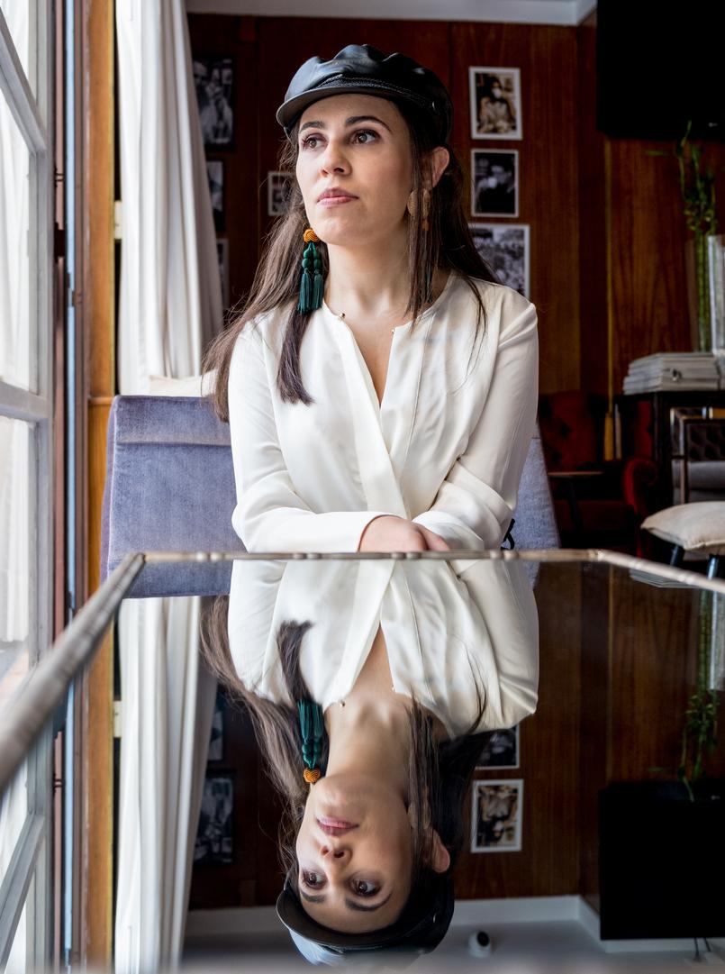 Le Fashionaire L'oréal X Balmain: Os meus 3 batons preferidos camisa branca seda zara bone boina preto militar zara 0525 PT 805x1081