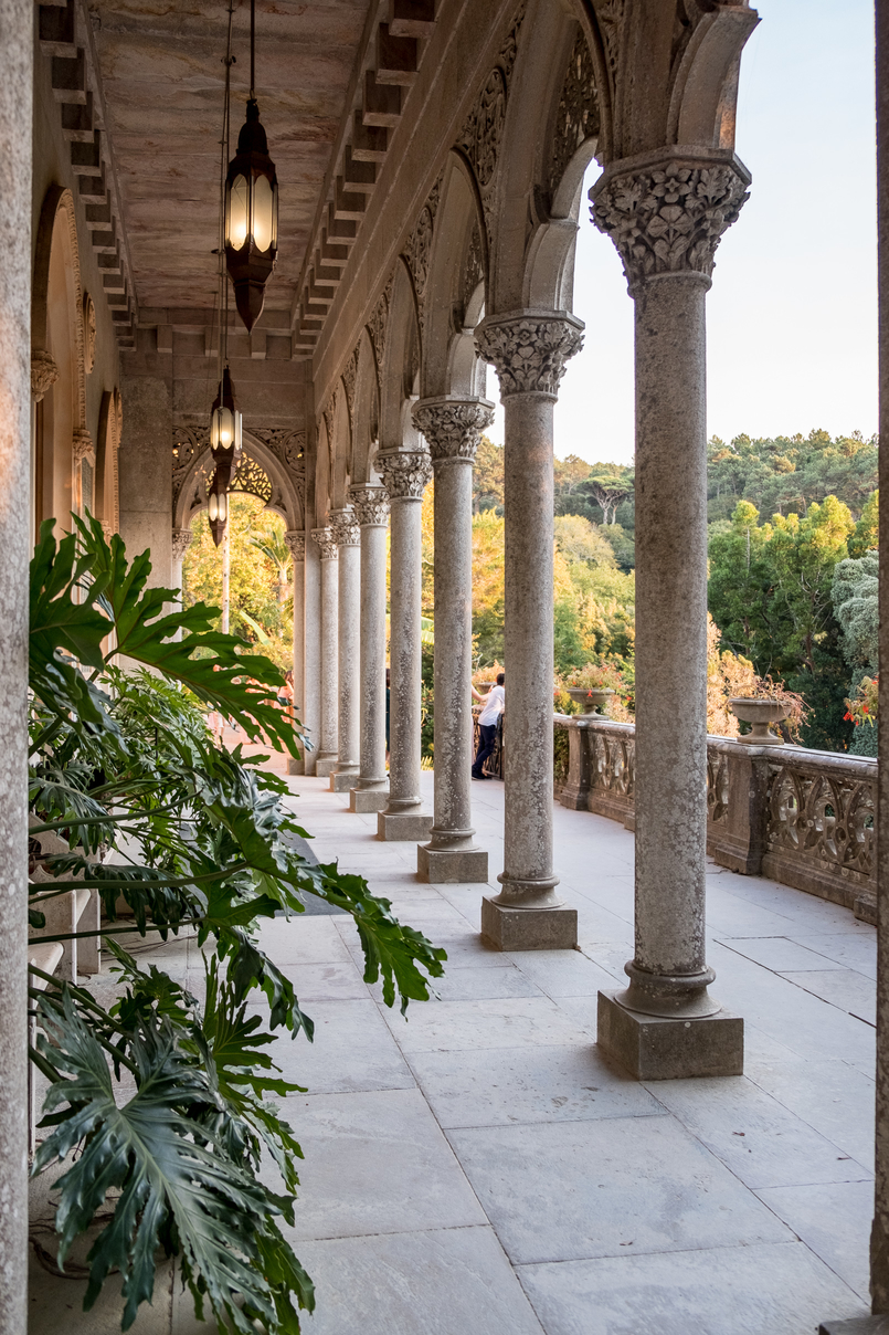 Le Fashionaire Monserrate: a palace for fairy tales columns monserrate palace 6199 EN 805x1208