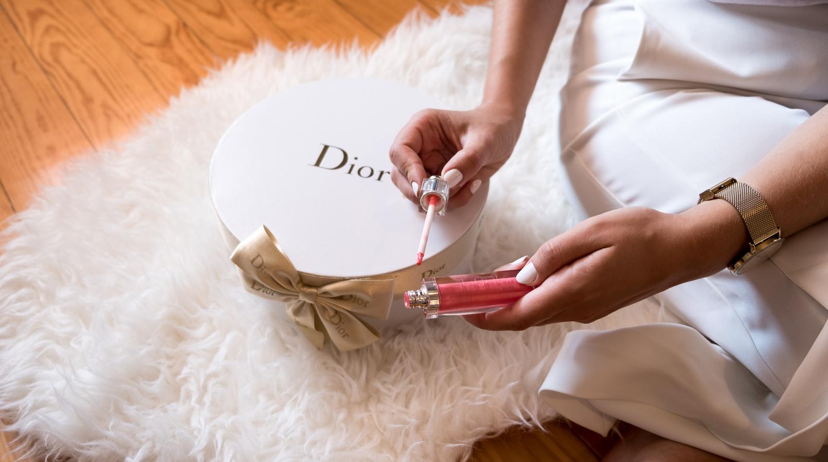 Le Fashionaire O batom da Dior em que ando viciada! culottes brancas zara botoes dourados caixa branca redonda dior letras douradas batom rosa dior addict ultra gloss pearl 576 tapete branco pelos ikea 6283F PT