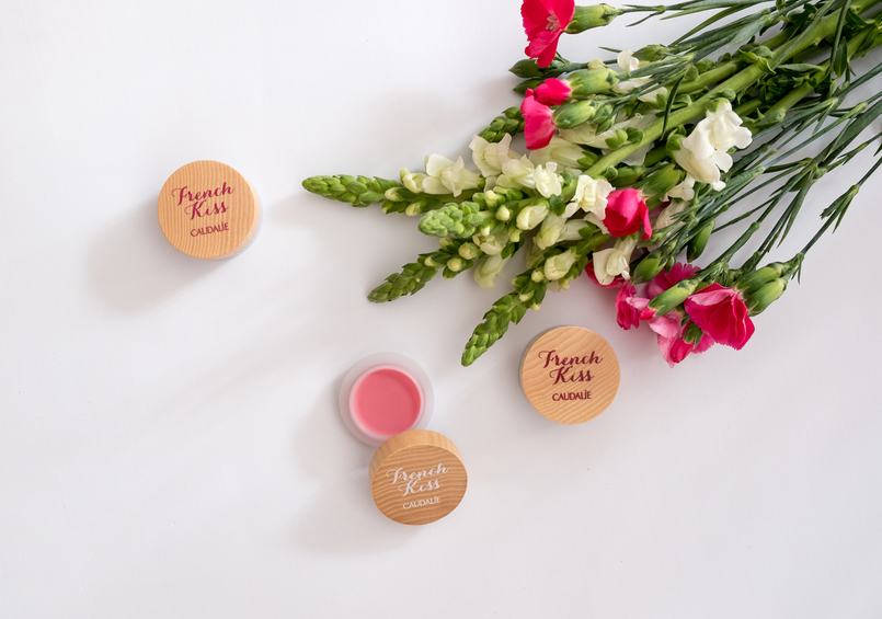 Le Fashionaire Have you tried the new Caudalie French Kiss Lip balm? flowers lip balm french kiss caudalie 6857 EN 805x565