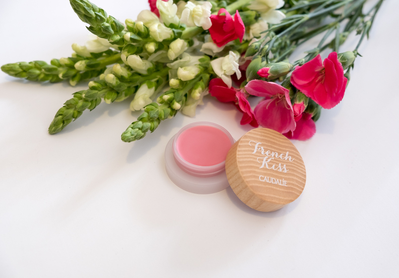 Le Fashionaire Have you tried the new Caudalie French Kiss Lip balm? flowers lip balm french kiss caudalie 6861 EN 805x561