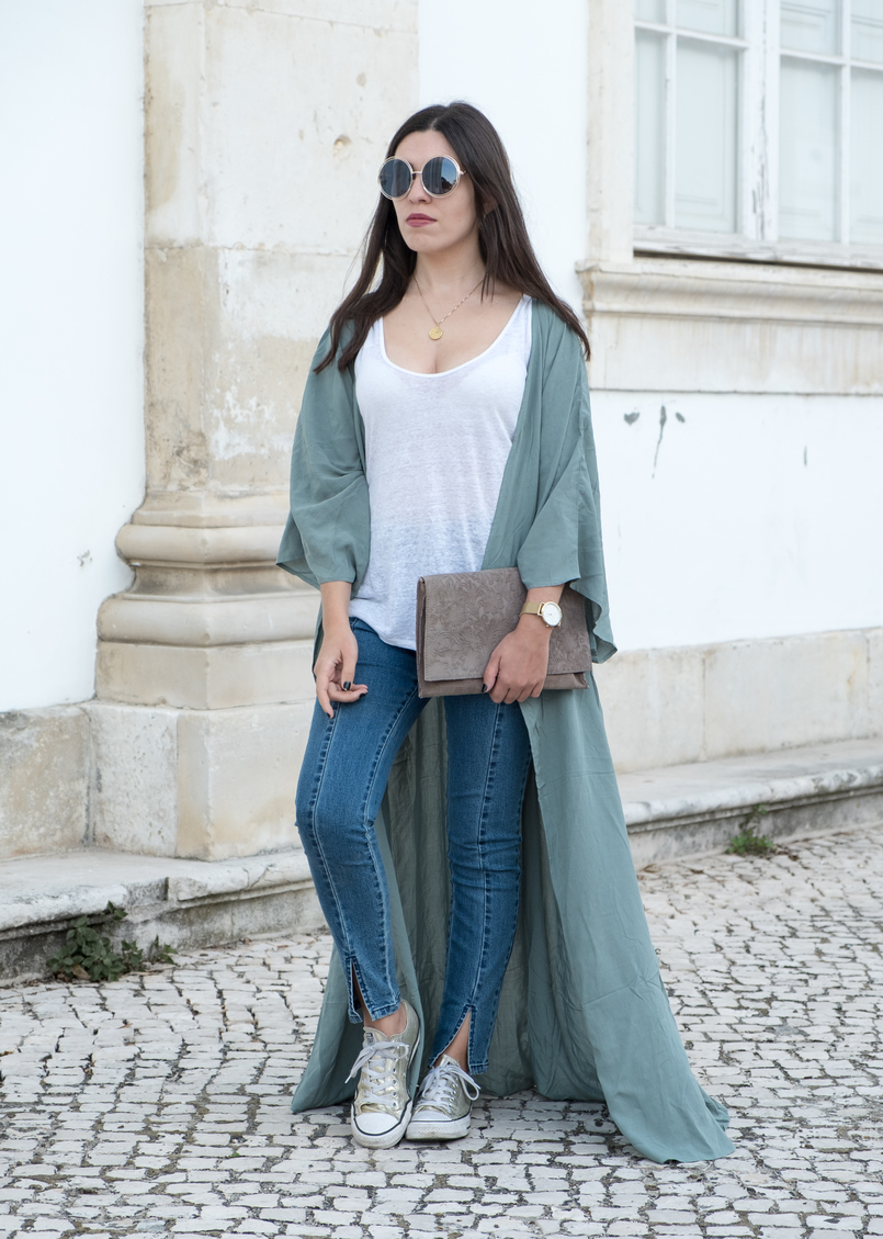 Le Fashionaire How to find the perfect jeans mint cardigan dress nakd converse all star gold white top linen zara leather grey flowers sfera clutch gold round sunglasses 5407 EN 805x1129