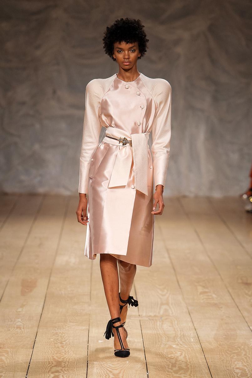 Le Fashionaire Portugal Fashion: My favorite fashion shows portugal fashion diogo miranda pale pink dress satin DiogoMiranda 011 EN 805x1208
