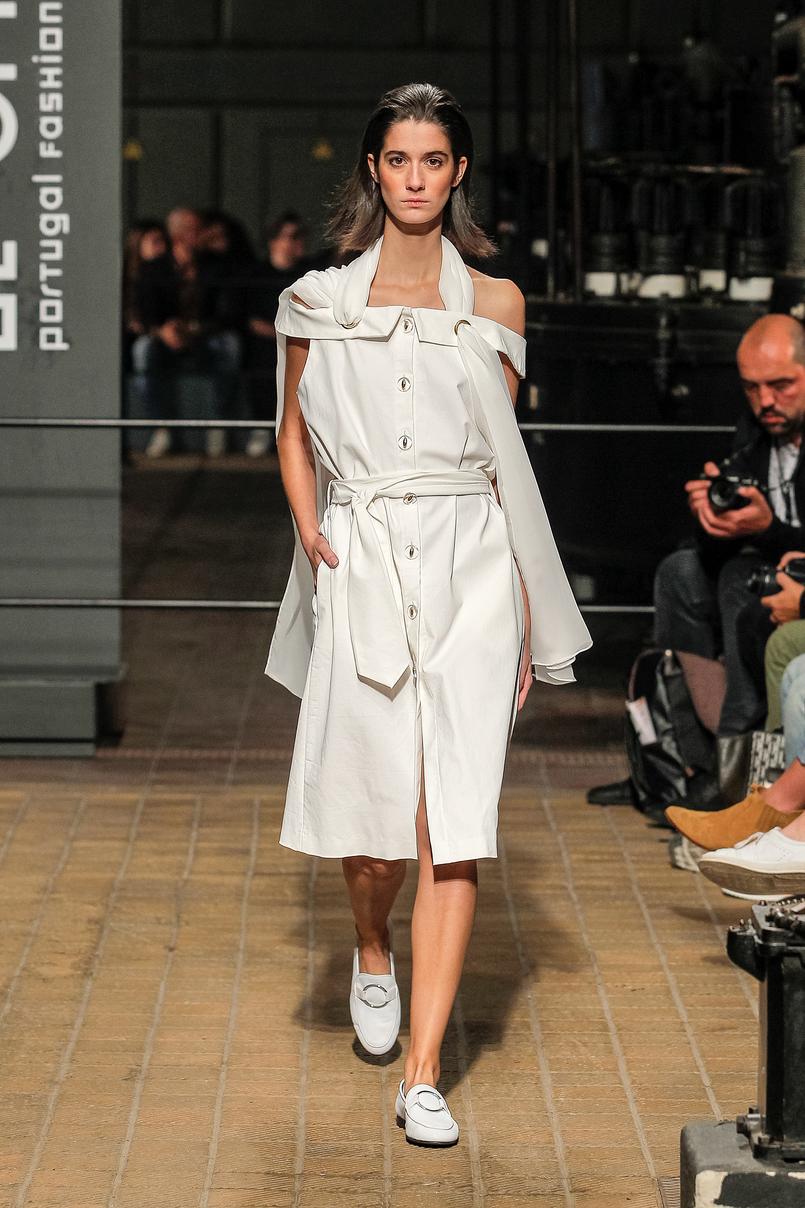 Le Fashionaire Portugal Fashion: Os meus desfiles preferidos portugal fashion vestido branco olympia davide OlimpiaDavide 010 PT 805x1208