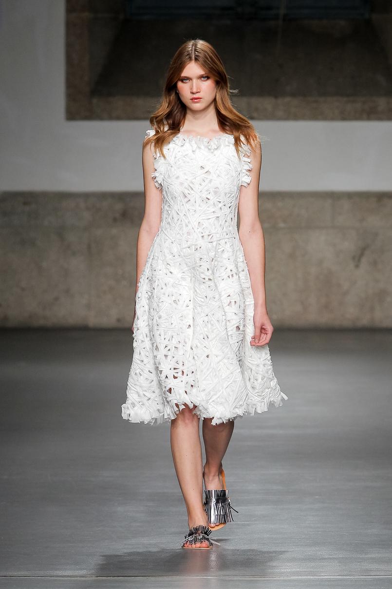 Le Fashionaire Portugal Fashion: My favorite fashion shows portugal fashion white dress lace pe de chumbo PeDeChumbo 088 EN 805x1208