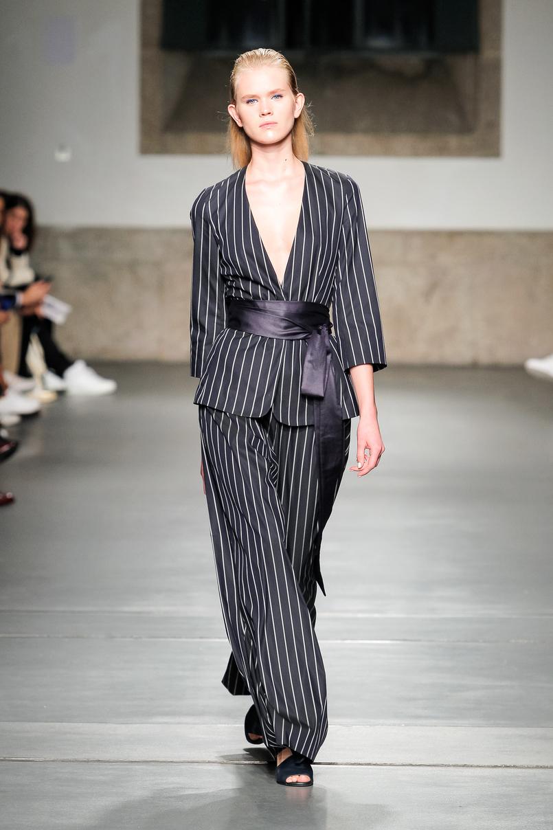 Le Fashionaire Portugal Fashion: My favorite fashion shows portugal fashion white vest black dress julio torcato JulioTorcato 037 EN 805x1208