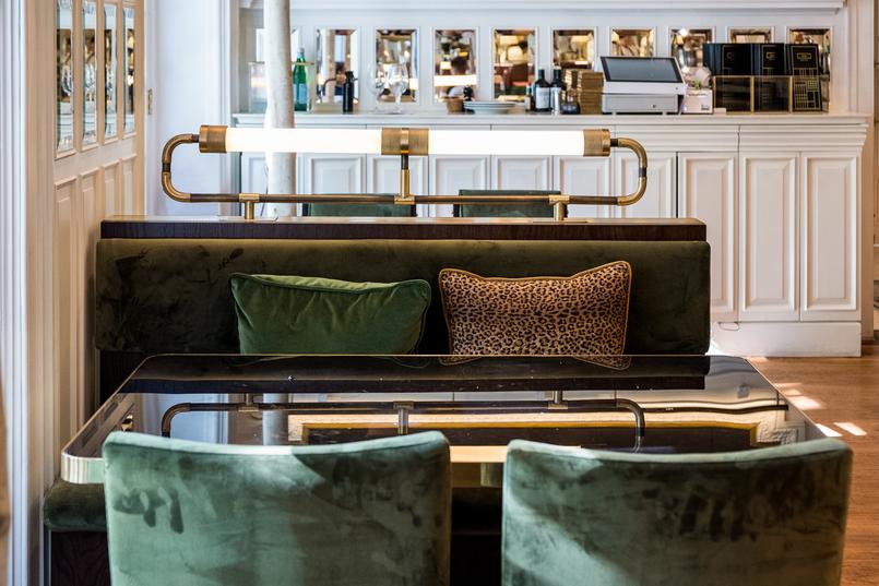 Le Fashionaire Restaurante preferido em Lisboa: JNcQUOI restaurante jncquoi lisboa decoracao sofas verde almofada leopardo 5695 PT 805x537