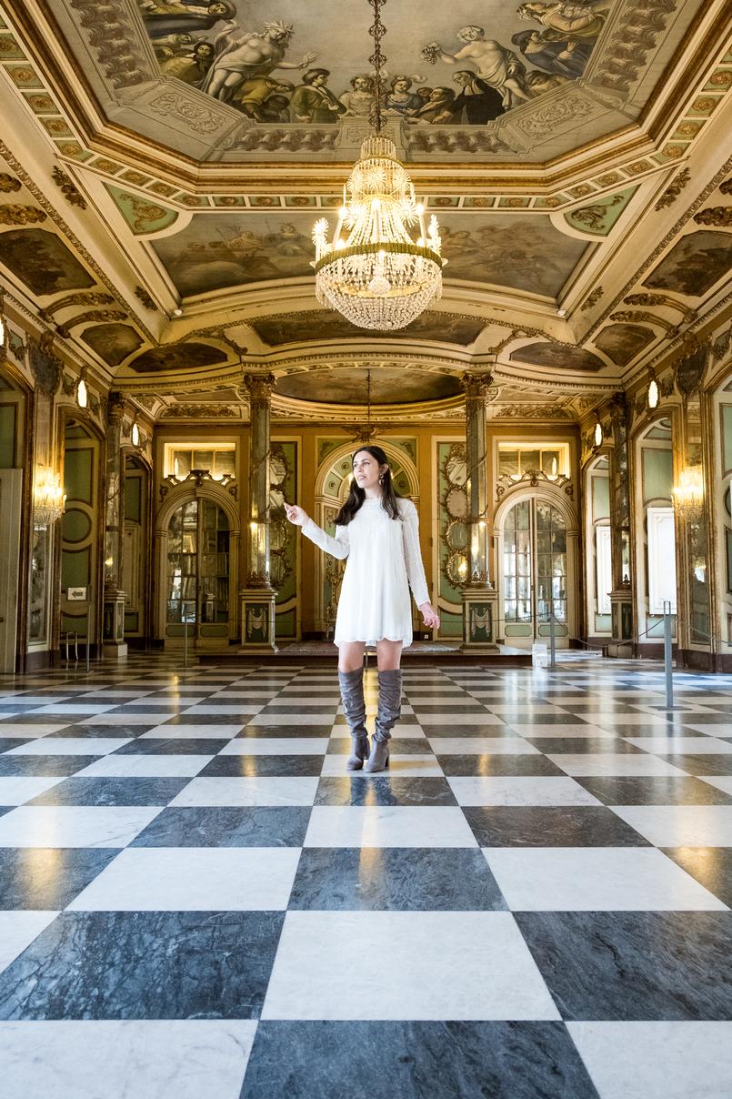 Le Fashionaire Conhecem o Palácio mais bonito do país? sala ornamentos verde chao preto branco xadrez palacio queluz salas ornamentadas vestido branco bordado botas acima joelho cinzento camurca 6050 PT 805x1208