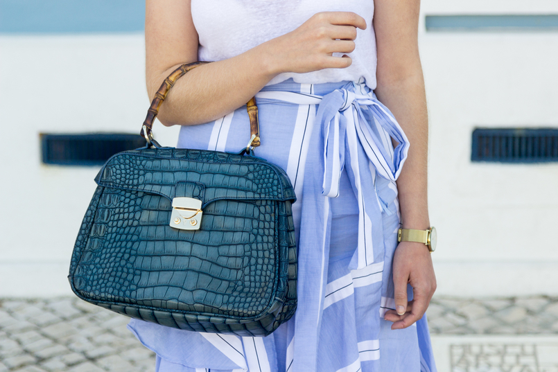 Le Fashionaire The summer skirt you can wear on fall stripes dark light ruffles asymmetrical zara skirt fake leather crocodile blue bamboo lanidor bag 6807 EN 805x537