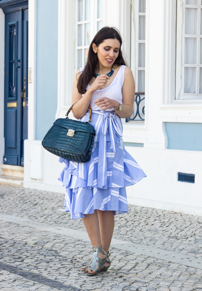 Le Fashionaire The summer skirt you can wear on fall stripes dark light ruffles asymmetrical zara skirt plastic flat sandals silver melissa fake leather crocodile blue bamboo lanidor bag 6863 EN 805x1159