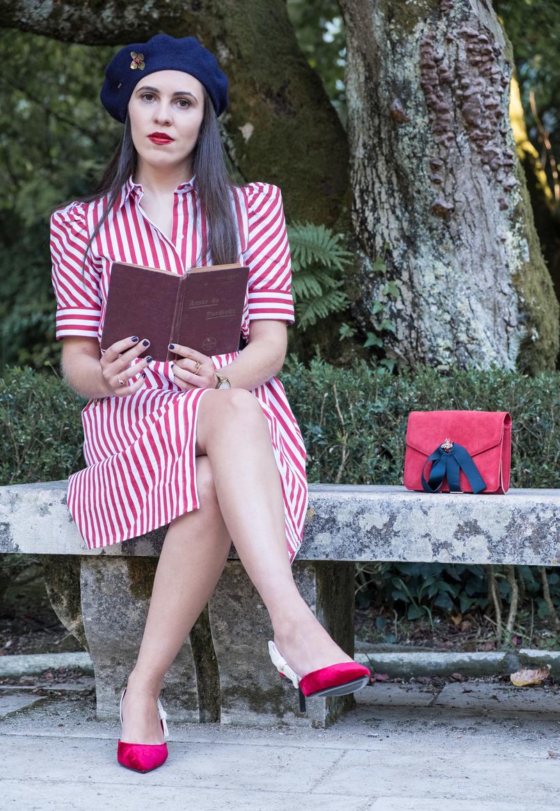 Le Fashionaire Tips to dress like a Parisian stripes white red zara dress red velvet mango kitten heels red suede gold bee dark blue ribbons mango clutch 4063 EN 805x1166