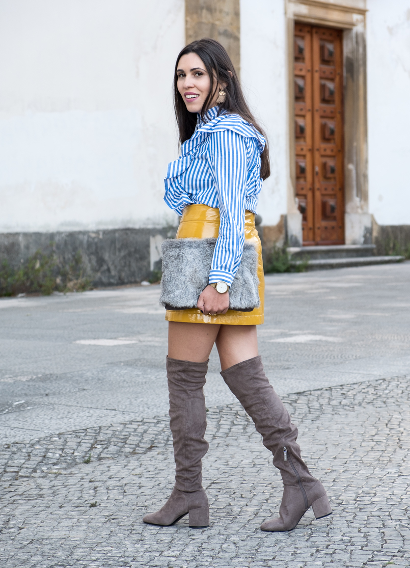 Le Fashionaire On trend: Vinyl white blue vertical stripes ruffles shein shirt over knee suede grey over knee bershka boots gold watch rosefield watches faux fur grey sfera clutch 4222 EN 805x1115
