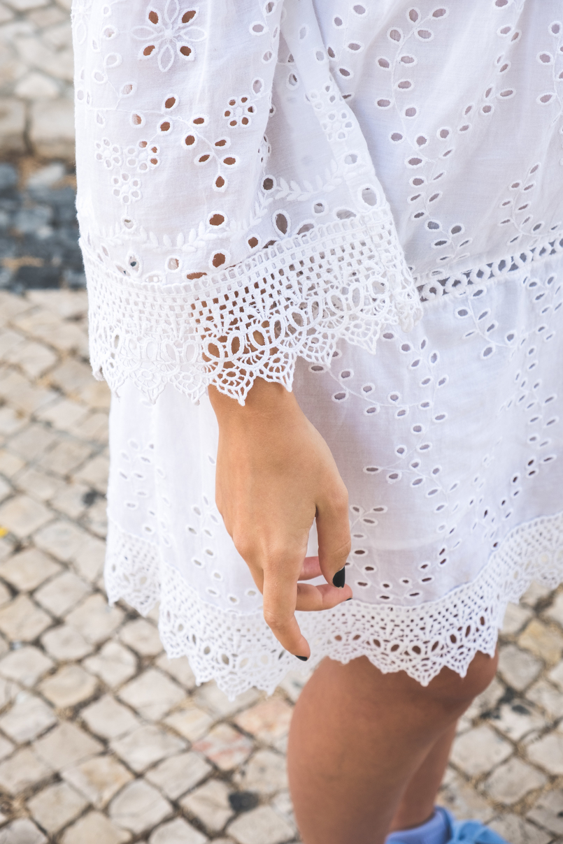 Le Fashionaire How to wear the same dress in a different way white mango pompom embroidered english dress 5614 EN 805x1208