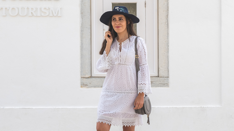 Le Fashionaire How to wear the same dress in a different way white mango pompom embroidered english dress dark blue flowers embroidered sfera hat chloe mini marcie grey leather gold wigs earrings 5617F EN 805x450