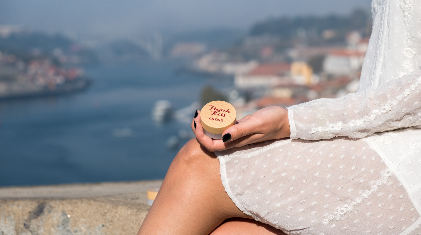 Le Fashionaire Have you tried the new Caudalie French Kiss Lip balm? white zara embroidered dress lip balm french kiss caudalie oporto landscape 5370F EN