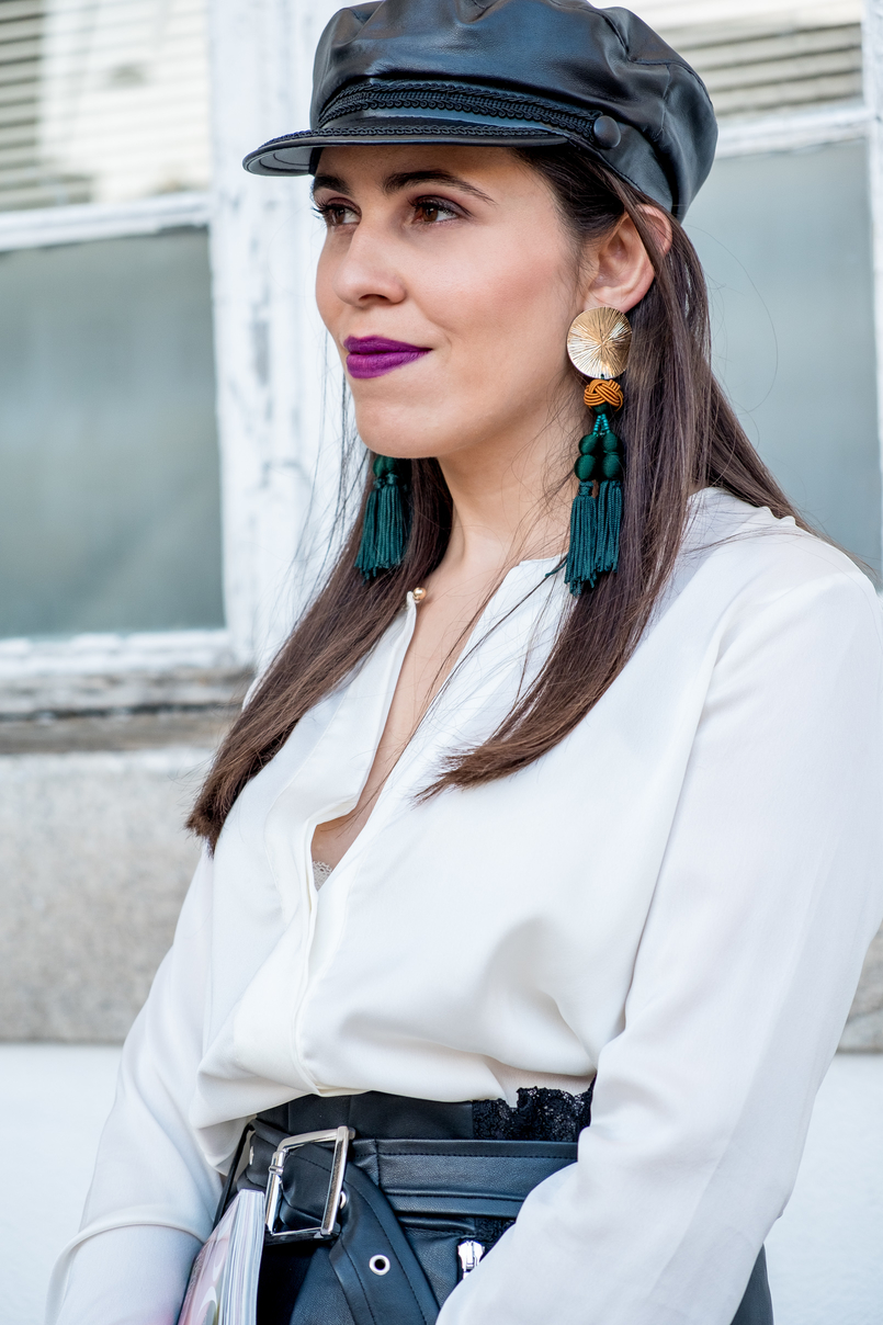 Le Fashionaire L'oréal X Balmain: my top 3 lipsticks white zara silk shirt fake leather lace black skirt beret cap fake leather black zara 0630 EN 805x1208