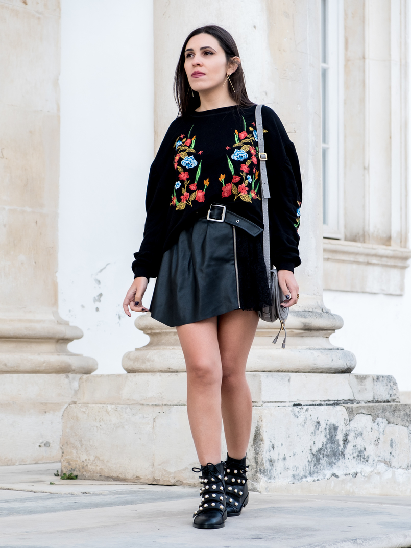 Le Fashionaire What we can learn from Ming Xi's fail on Victoria's Secret show black colorful flowers embroidered zara jumper black boots white pearls leather zara chloe mini marcie grey leather bag 3993 EN 805x1073