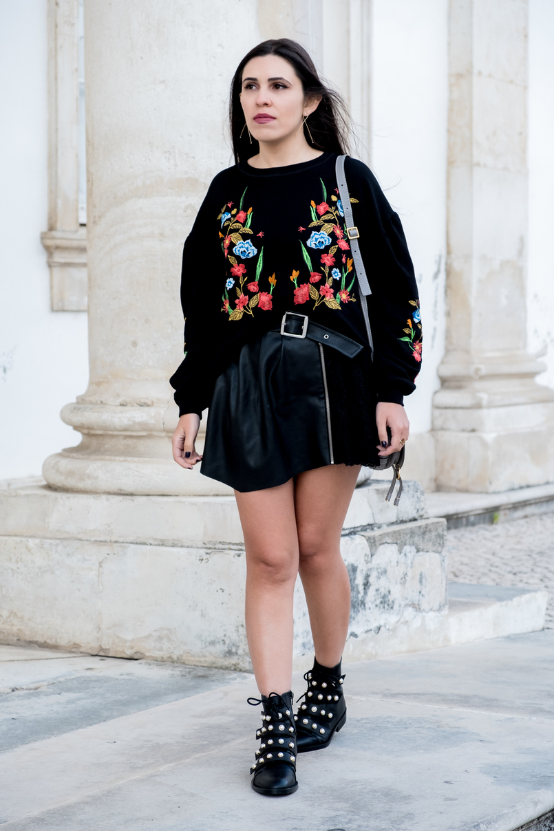 Le Fashionaire What we can learn from Ming Xi's fail on Victoria's Secret show black colorful flowers embroidered zara jumper fake leather black lace belt skirt zara black boots white pearls leather zara gold hm earrings 3990 EN 805x1208
