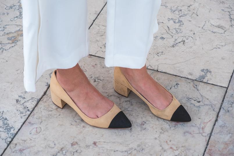 Le Fashionaire 3 dicas para usar branco total no outono calcas culottes brancas esvoacantes zara botoes dourados branco 5922 PT 805x537
