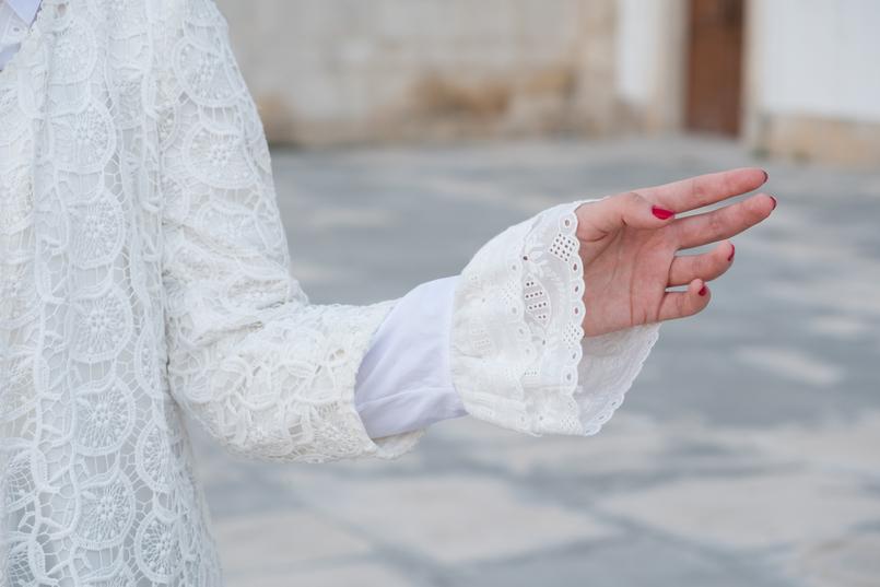 Le Fashionaire As mulheres baixas podem ou não usar botas acima do joelho? casaco branco comprido bordado zara 0922 PT 805x537