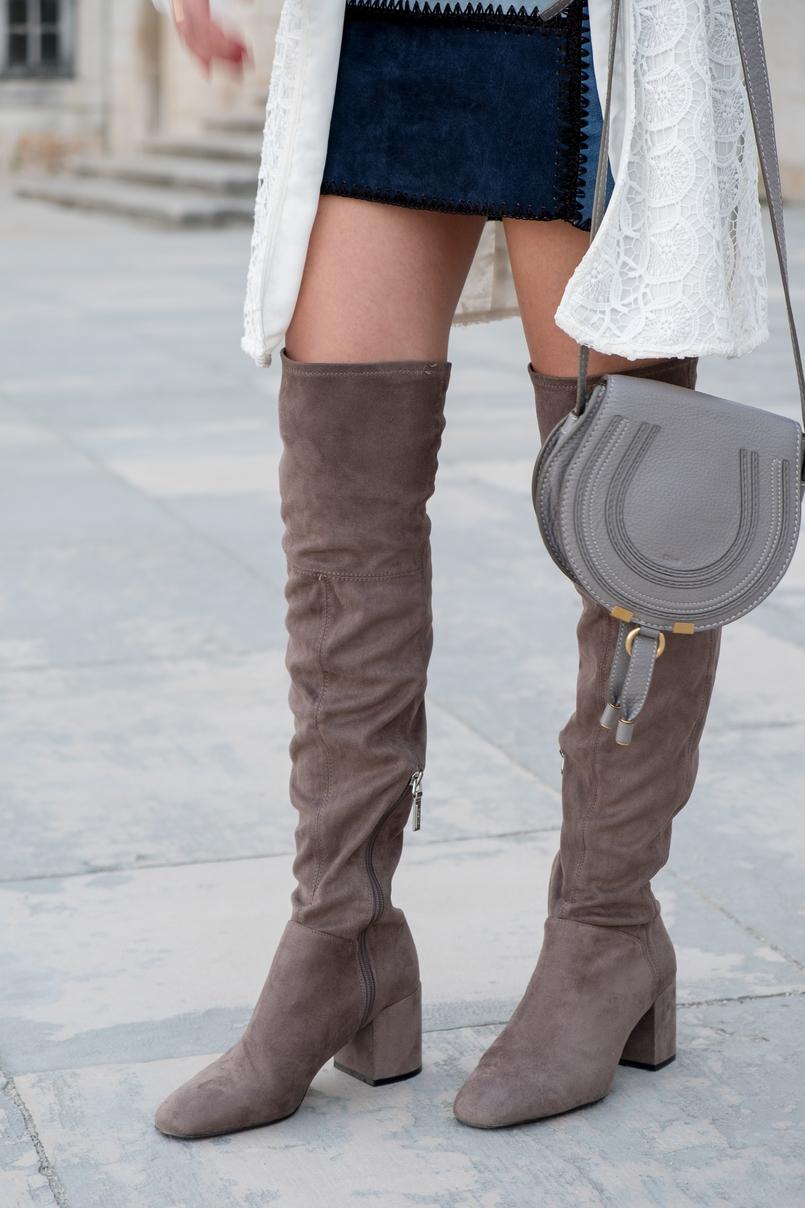 Le Fashionaire As mulheres baixas podem ou não usar botas acima do joelho? casaco branco comprido bordado zara saia patchwork pele azul claro escuro botas acima joelho camurca cinzento bershka 0907 PT 805x1208