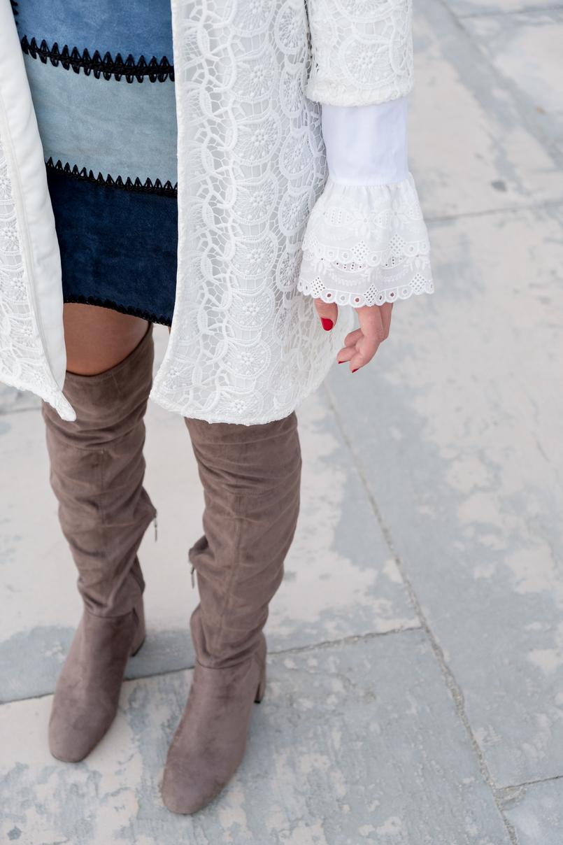Le Fashionaire As mulheres baixas podem ou não usar botas acima do joelho? casaco branco comprido bordado zara saia patchwork pele azul claro escuro botas acima joelho camurca cinzento bershka 0921 PT 805x1208
