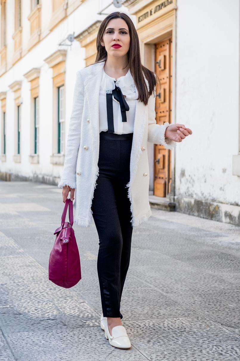Le Fashionaire Comprei uns sapatos brancos, e agora? casaco branco tweed comprido botoes perolas zara calcas pretas zara sapatos perola verniz zara 3272 PT 805x1208