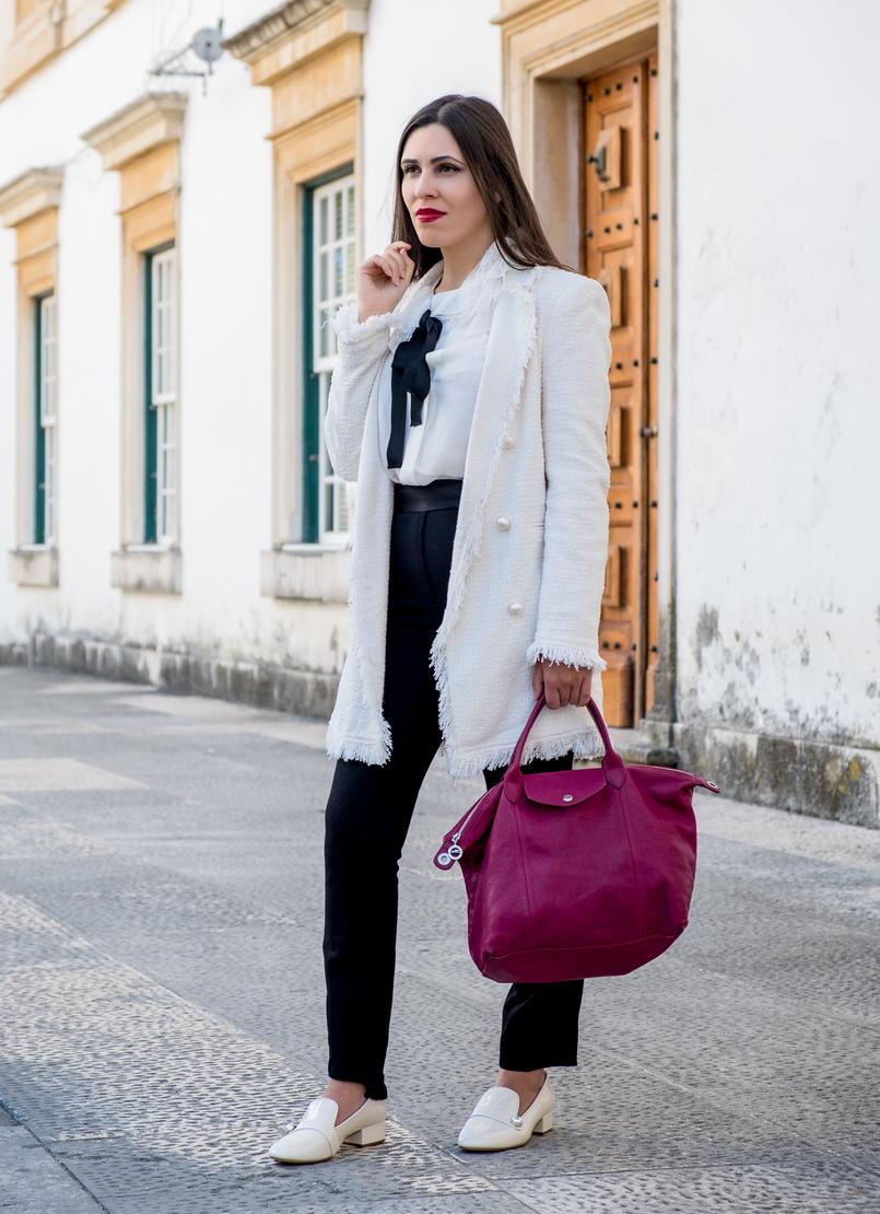 Le Fashionaire Comprei uns sapatos brancos, e agora? casaco branco tweed comprido botoes perolas zara sapatos perola verniz zara mala purpura longchamp le pliage cuir 3225 PT 805x1110