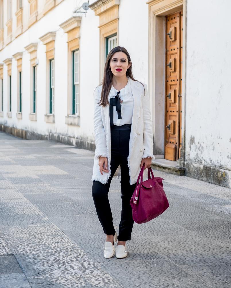 Le Fashionaire Comprei uns sapatos brancos, e agora? casaco branco tweed comprido botoes perolas zara sapatos perola verniz zara mala purpura longchamp le pliage cuir 3274 PT 805x1002