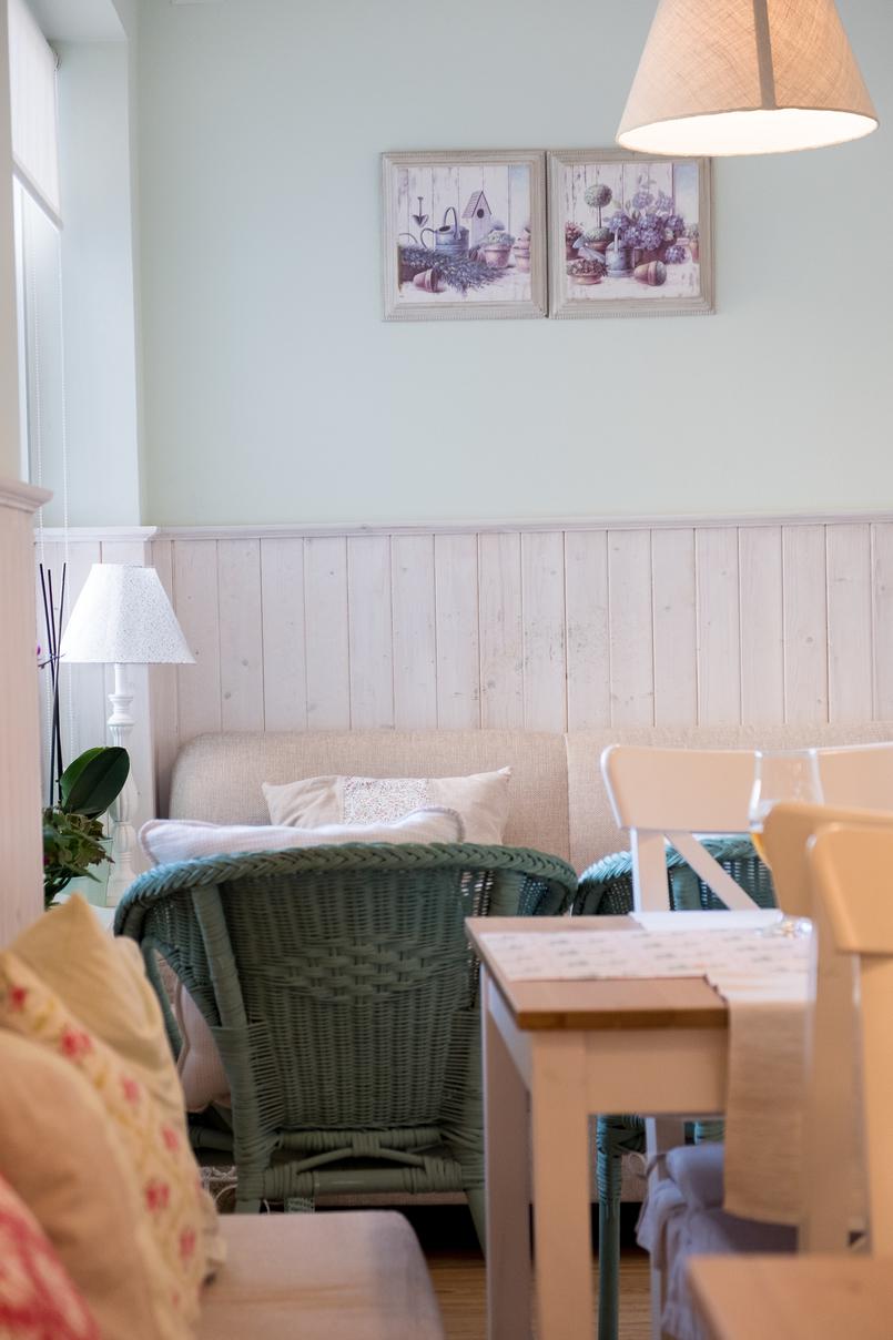 Le Fashionaire Mil Folhas: querem lanchar numa casa de bonecas? confeitaria mil folhas verde branco 2027 PT 805x1208