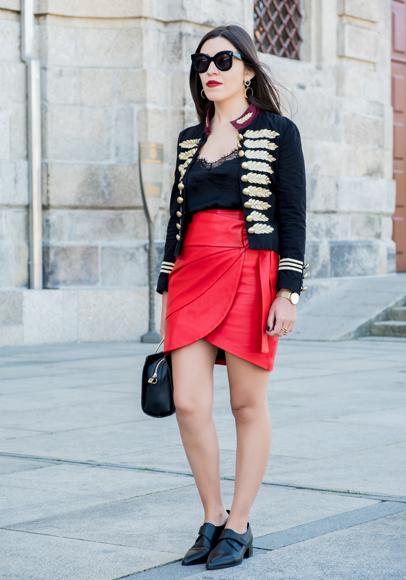 Le Fashionaire Personal: internet is an edited reality dark blue red gold embroidered buttons minusey military jacket red leather strap uterque skirt black leather men like zara shoes shein lace black top 3660 EN 805x1150