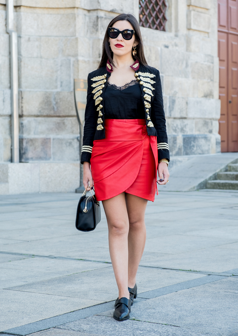 Le Fashionaire Personal: internet is an edited reality dark blue red gold embroidered buttons minusey military jacket red leather strap uterque skirt black leather men like zara shoes shein lace black top 3664 EN 805x1136