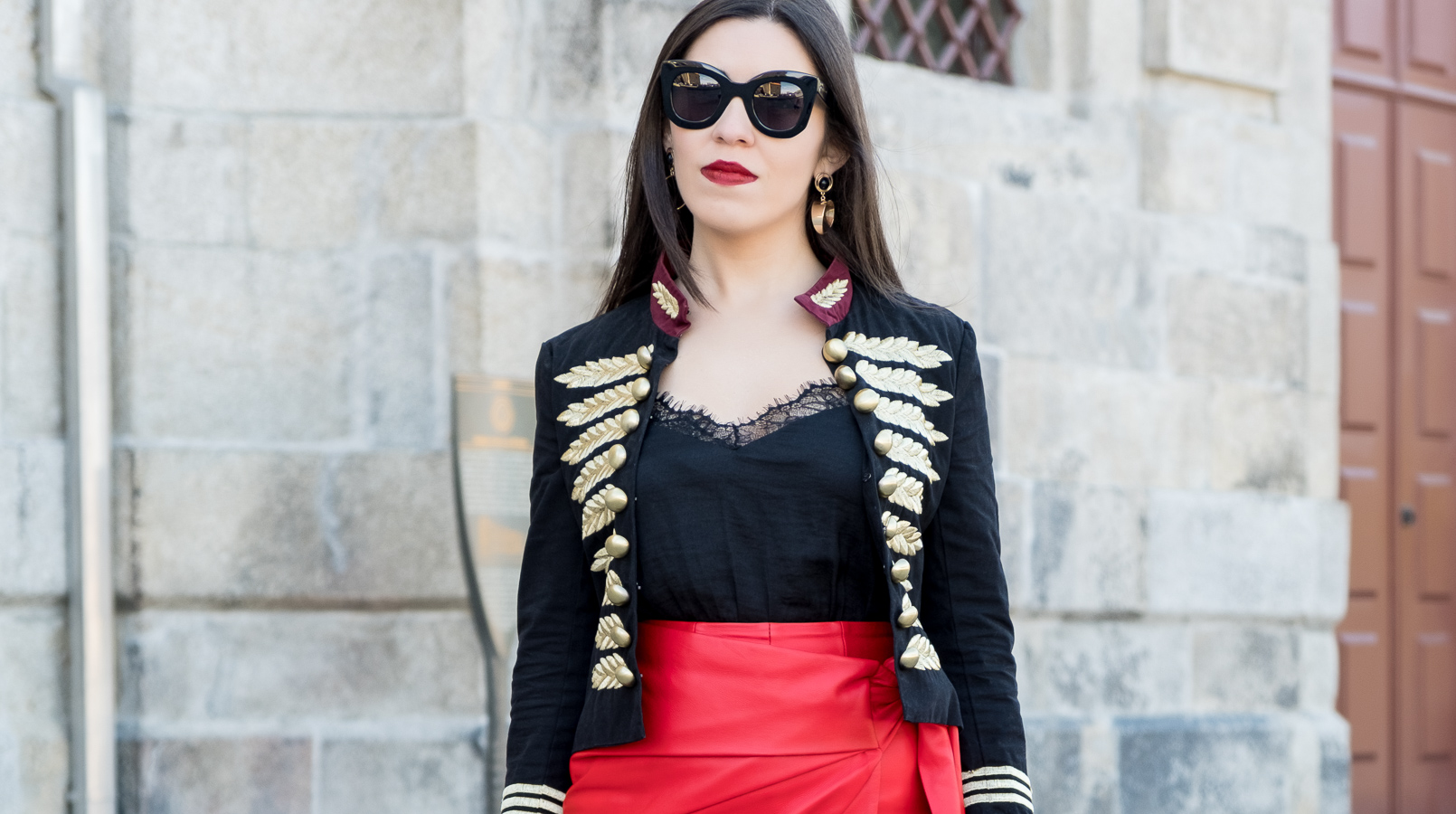 Le Fashionaire Personal: internet is an edited reality dark blue red gold embroidered buttons minusey military jacket shein lace black top celine big marta black sunglasses 3664F EN