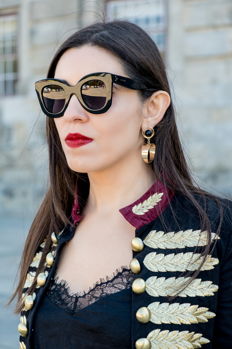 Le Fashionaire Personal: internet is an edited reality dark blue red gold embroidered buttons minusey military jacket shein lace black top gold bold black mango earrings celine big marta black sunglasses 3707 EN 805x1208